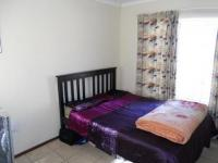 Main Bedroom - 14 square meters of property in Olievenhoutbos