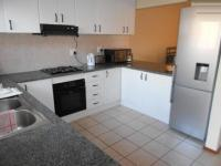 Kitchen - 10 square meters of property in Mondeor
