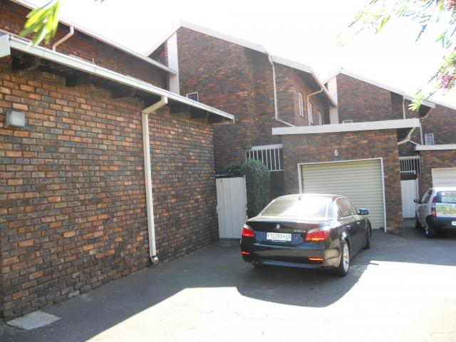 3 Bedroom Duplex for Sale For Sale in Emalahleni (Witbank)  - Private Sale - MR075790