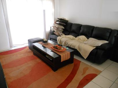 Lounges - 12 square meters of property in Gordons Bay