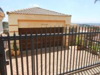 3 Bedroom 2 Bathroom Cluster for Sale for sale in Krugersdorp