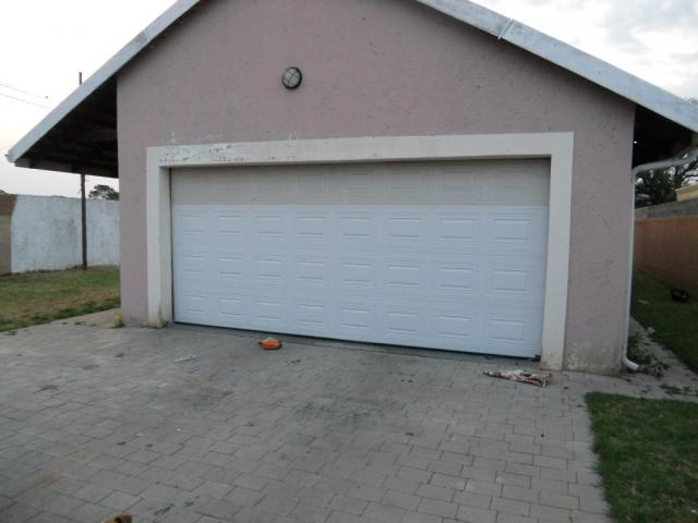 Standard Bank Repossessed 3 Bedroom House for Sale on online auction in Krugersdorp - MR075951