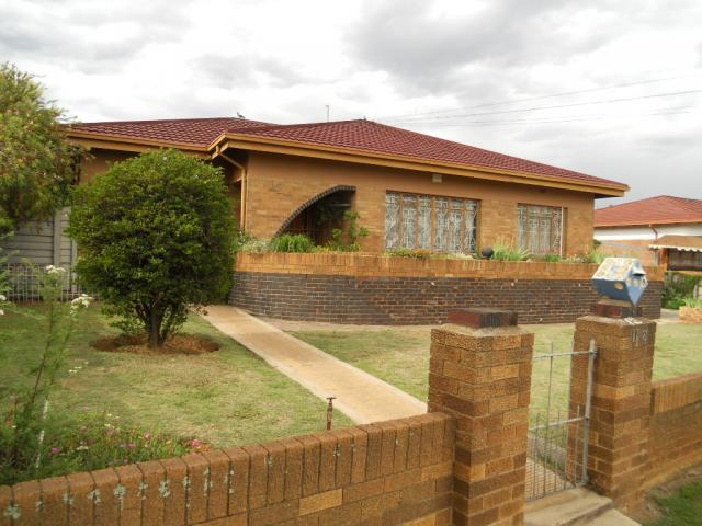 Standard Bank EasySell 3 Bedroom House For Sale in Germiston - MR076002
