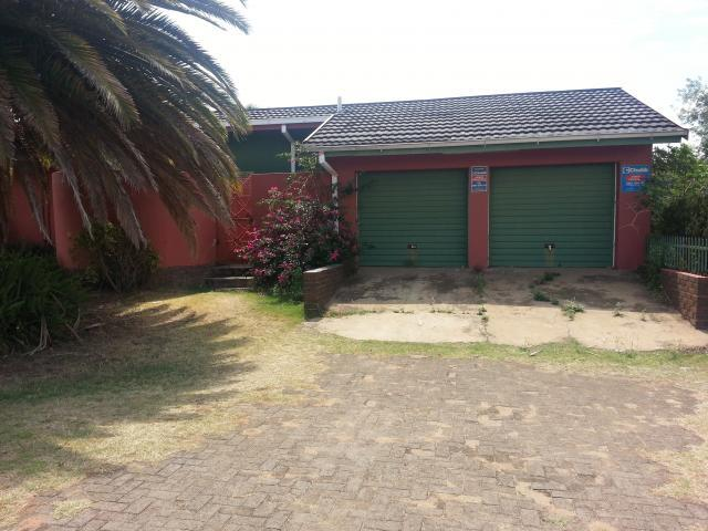 Standard Bank EasySell 3 Bedroom Cluster for Sale For Sale in Newcastle - MR076015