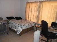 Main Bedroom - 18 square meters of property in Linden