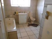Main Bathroom - 10 square meters of property in Nigel