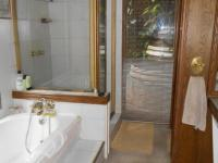 Main Bathroom - 9 square meters of property in Ifafi