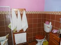 Bathroom 1 - 12 square meters of property in Eldoraigne