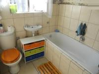 Main Bathroom - 3 square meters of property in Bellville
