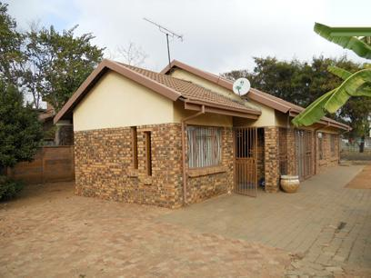 3 Bedroom House for Sale For Sale in Karenpark - Home Sell - MR076978