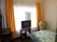 Bed Room 1 - 13 square meters of property in Karenpark