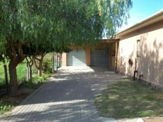 Standard Bank EasySell 3 Bedroom Cluster for Sale For Sale in Clanwilliam - MR077029