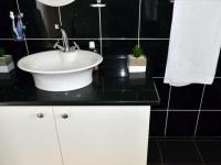 Main Bathroom - 19 square meters of property in Shelly Beach