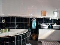 Bathroom 1 - 8 square meters of property in Shelly Beach
