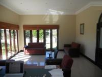 Lounges - 40 square meters of property in Woodside
