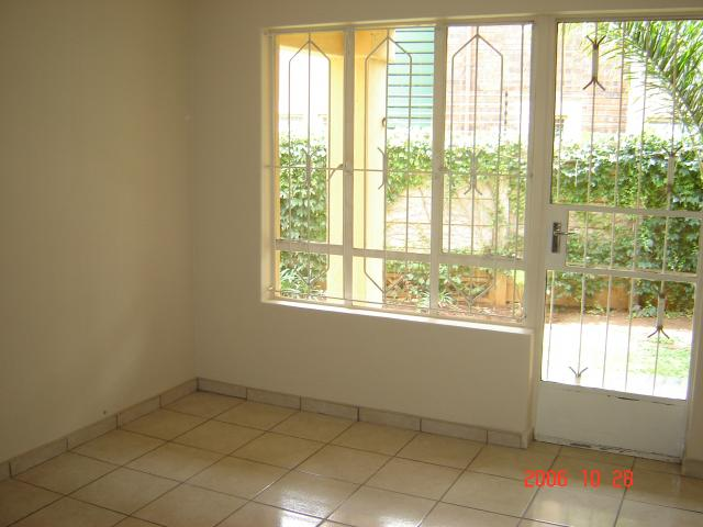 2 Bedroom Sectional Title for Sale For Sale in Glenmarais (Glen Marais) - Private Sale - MR077492