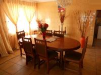 Dining Room - 16 square meters of property in The Orchards