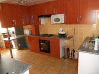 Kitchen - 20 square meters of property in The Orchards