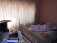 Bed Room 1 - 14 square meters of property in The Orchards
