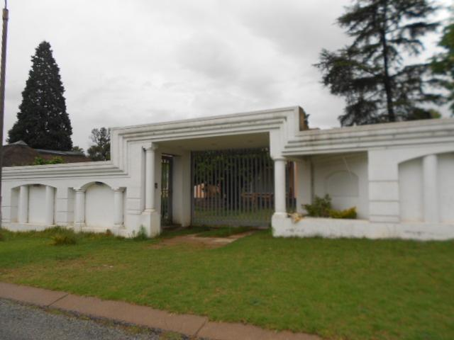 Standard Bank EasySell 3 Bedroom House For Sale in Kempton Park - MR077699