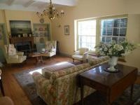 Lounges - 36 square meters of property in Claremont (CPT)