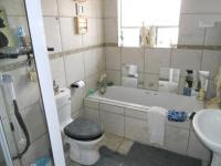 Main Bathroom - 7 square meters of property in Celtisdal