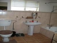 Main Bathroom - 13 square meters