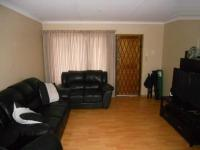 Lounges - 17 square meters of property in Pinetown