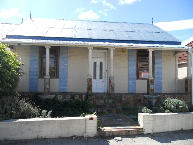 Standard Bank Repossessed 3 Bedroom House on online auction in South End - MR078494