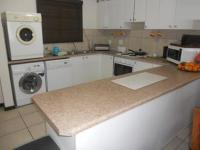 Kitchen - 9 square meters of property in Plettenberg Bay