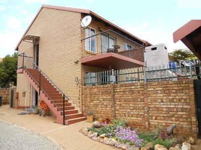 2 Bedroom Cluster for Sale For Sale in Pierre van Ryneveld - Private Sale - MR078573