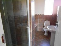 Main Bathroom - 7 square meters of property in Riversdale