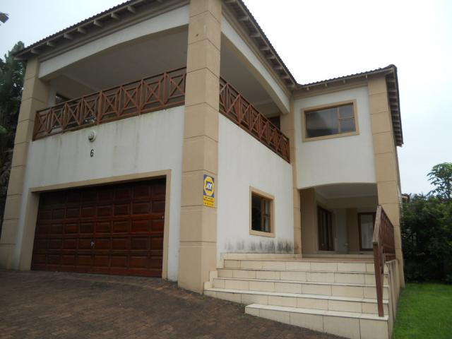 Standard Bank Repossessed 2 Bedroom Sectional Title on online auction in Uvongo - MR078670