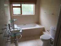 Bathroom 2 - 8 square meters of property in Uvongo