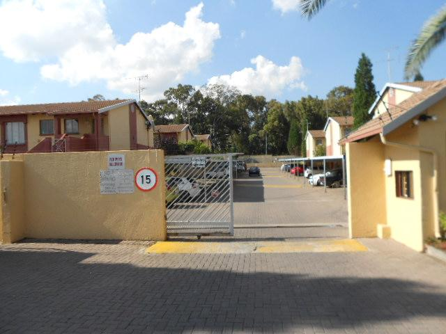 Standard Bank Repossessed 2 Bedroom Sectional Title for Sale on online auction in Germiston - MR079050