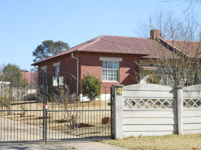 Standard Bank Repossessed 3 Bedroom House for Sale on online auction in Dunnottar - MR079188