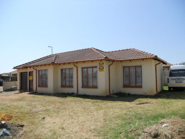 Standard Bank EasySell 3 Bedroom House For Sale in The Orchards - MR079254
