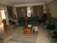 Lounges - 31 square meters of property in Parow Central
