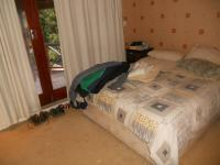 Main Bedroom - 17 square meters of property in Parow Central