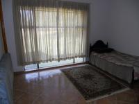 Bed Room 1 - 17 square meters of property in Bon Accord