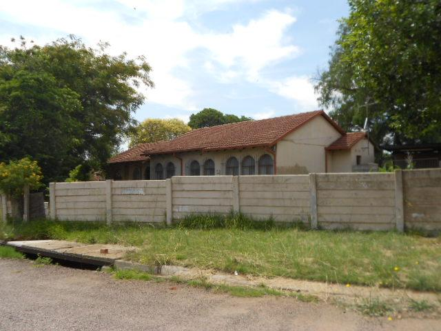 Standard Bank SIE Sale In Execution 3 Bedroom House For Sale in Springs - MR079395