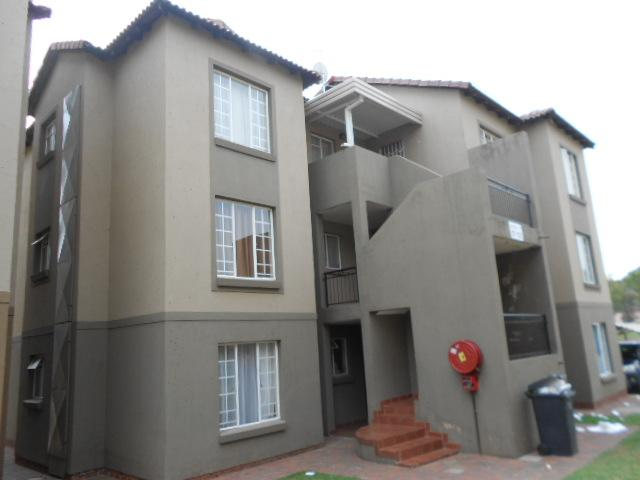 2 Bedroom Sectional Title for Sale For Sale in Meredale - Home Sell - MR079407