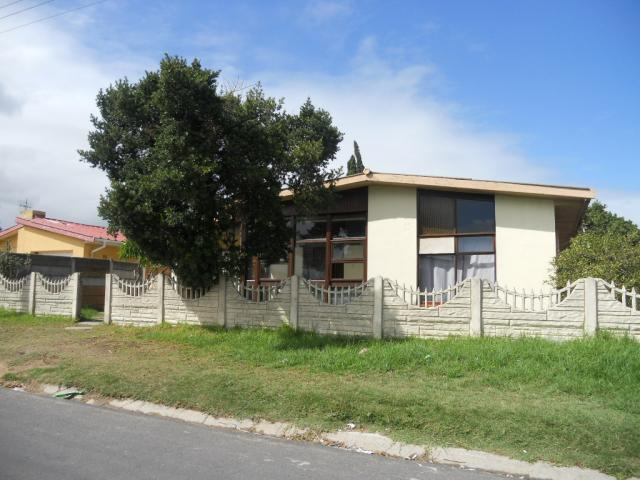 Standard Bank EasySell 3 Bedroom House for Sale For Sale in Kraaifontein - MR079565