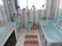 Main Bathroom - 23 square meters of property in Witfield