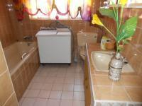 Bathroom 1 - 10 square meters of property in Witfield