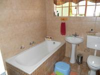 Bathroom 1 - 7 square meters of property in Queenswood