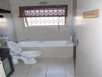 Main Bathroom - 3 square meters of property in Montague Gardens