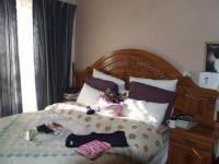 Main Bedroom - 13 square meters of property in Montague Gardens