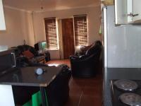 Lounges - 14 square meters of property in Montague Gardens