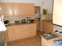 Kitchen - 12 square meters of property in Rooihuiskraal
